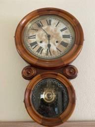 Relógio de parede (antigo)