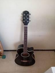 Vendo violão 600 reais