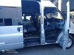Ford Transit Minibus 5P