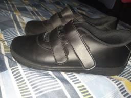 Sapato infantil novo por 30 reais