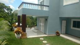 ótima casa com 04 quartos sendo 02 suites,não é codomínio mas o local ´bem seguro!!