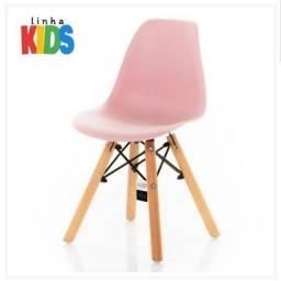 Cadeira Charles Eames Eiffel Infantil Kids
