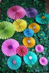 Flores de papel para decoração R$ 40,00