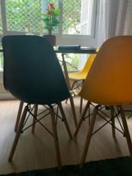 Cadeiras novas , quase sem uso.