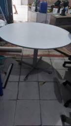 Mesa redonda escritório