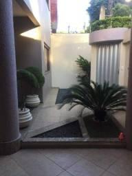 Casa duplex no bairro Jardim Vitória.