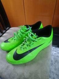 Chuteira Nike futsal n 44 R$120