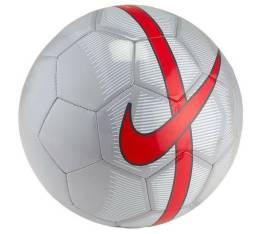 Bola Nike Campo Mercurial tamnho 5 ou 4 cinza