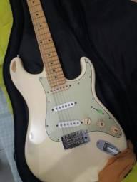 Guitarra Tagima TG 635 strato