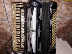 Acordeon intaliana bertoni locatelli 120 baixo 10.500.00