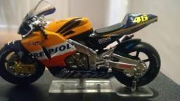 Miniatura de moto RC211v Valentino Rossi