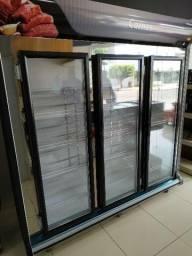 Expositor refrigerado de carnes e frios