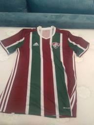 Camisa Fluminense em perfeito estado. Barata pra sair rápido