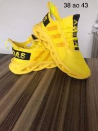 Tênis Adidas 120,00