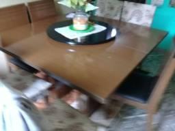 Mesa de jantar com 6 cadeira