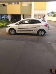 Carro Onix LT 2019 branco