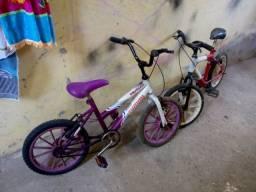 Duas bicicleta infantil masculina e feminina cada100