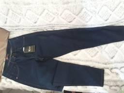 Fardo de Calças jeans feminina