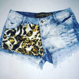 Bermudinha jeans.
