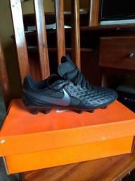 Vendo Chuteira Nike Campo