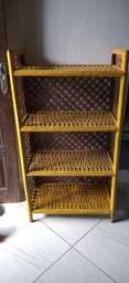 Vendo estante de palha rústica 1,20m por 65cm. Apenas R$90,00