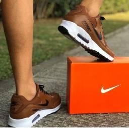 Tênis Nike Air Max 90 caramelo