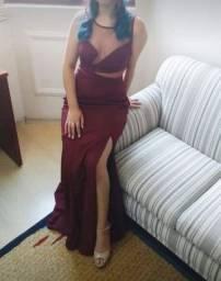 Vestido longo bordô