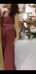 Vestido de gala na cor malva