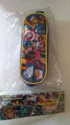 Estojo escolar duplo Vingadores Marvel (Lacrado!)