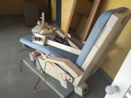 Cadeira odontológica Gnatus com mocho