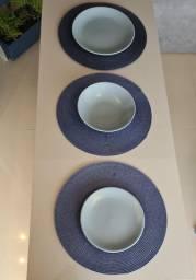 Jogo de pratos em cerâmica 30 peças seminovo