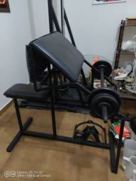 Maquina de musculação Banco scott