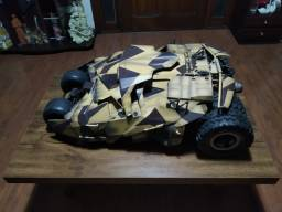 Miniatura Hot Toys  Batmóvel Tumbler - USADO