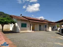 Excelente casa geminada e muito bem localizada no bairro Rio Hern em Schroeder SC.