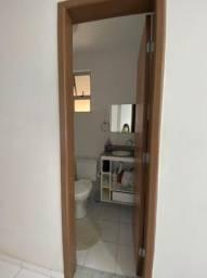 Casa 2/4 - SIM - armários embutidos na cozinha e banheiro -