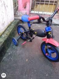 Bicicleta infantil semi-novo