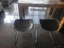 Cadeiras Bertoia de Metal com Assento Estofado