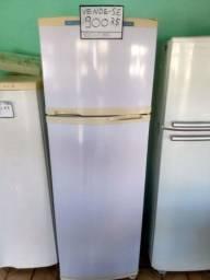 Vende-se geladeira Consul 400 litros , passo cartão.