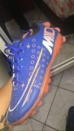 Chuteira Nike Society 40
