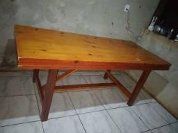 Mesa grande de madeira