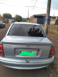 vendo corca clacic sedan 2006/07 valor 13.000.