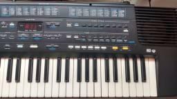 Teclado Roland E36