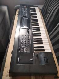 Teclado Roland GW8 sintetizador e arranjador