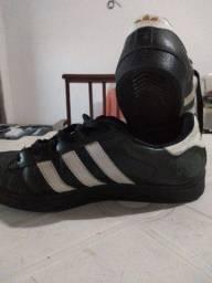 Tênis Adidas Superstar - Usado