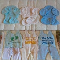 Lote de roupas para bebê