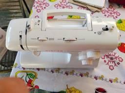 Vendo semi nova Máquina de costura reta