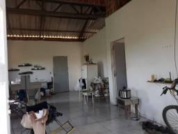 Vendo uma casa no bairro Canaã
