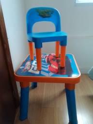 Conjunto de mesa e cadeira da hotwhells