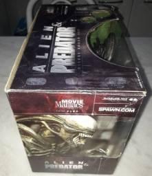 Movie Maniacs 5 - Alien & Predator - Deluxe Boxed Set (c)