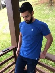T-shirt Adidas unissex, confira esse e outros modelos.